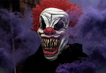 Clown in Corner - Scary Urban Legends